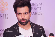 IIFTC Red Carpet - Actor Rithvik Dhanjani addressing media