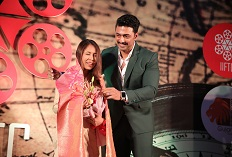 iiftc awards - guest of honour dev adhikari felicitating director rima das